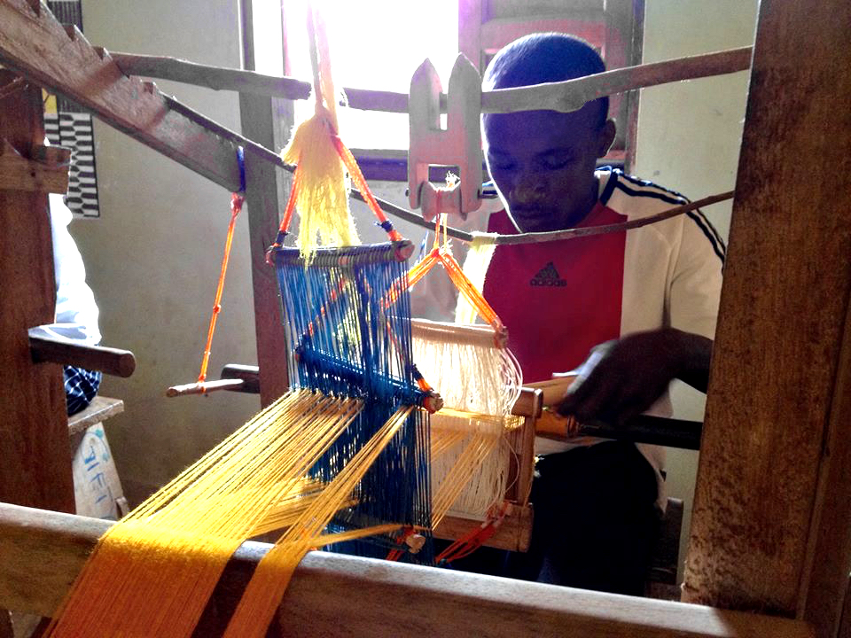 npo-africa-tys-craft-weaving-kente