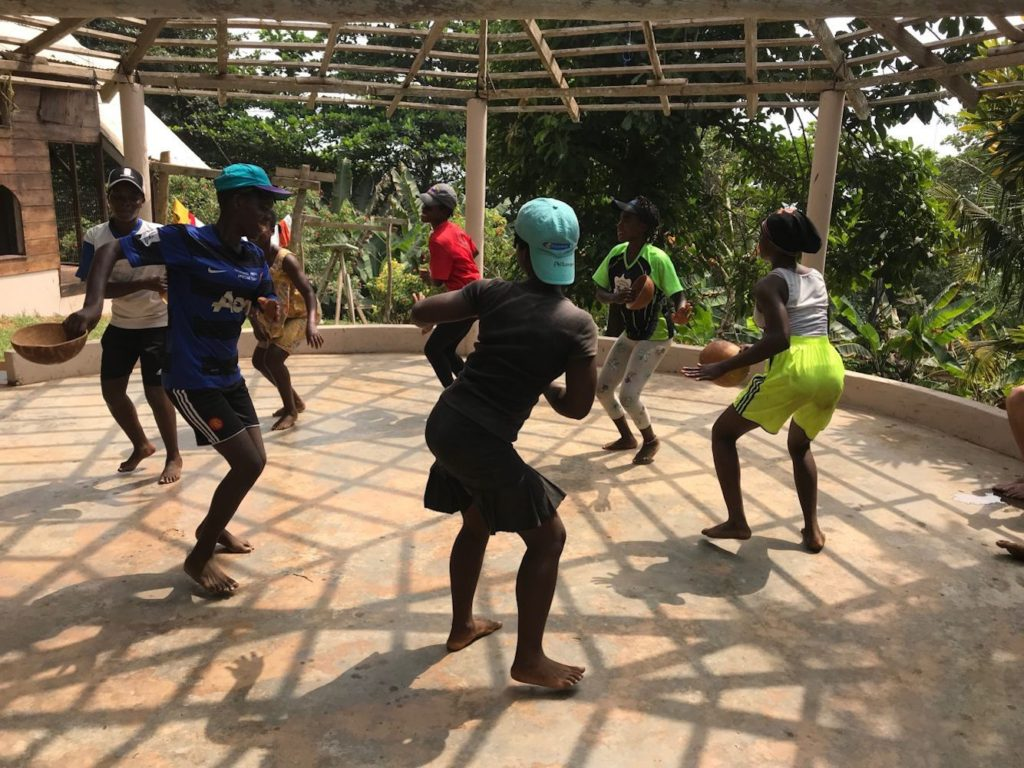 npo-africa-tys-students-dancing
