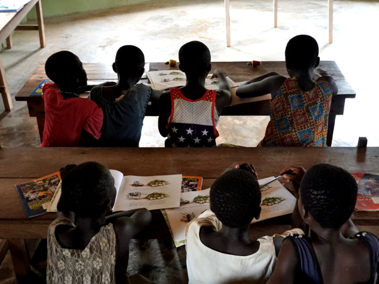 npo-africa-tys-reading-children
